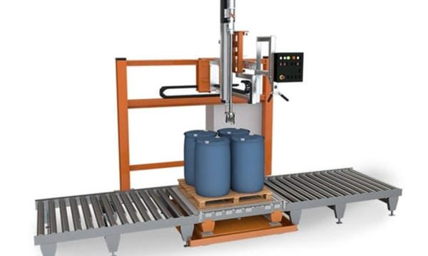 Stroj na plnění tekutin v bubnu 200 l
