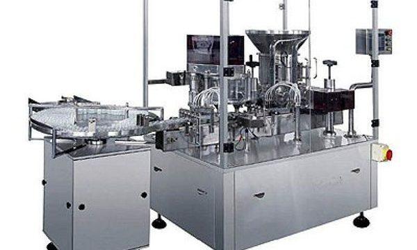 Plnicí stroj na vstřikování suchého prášku