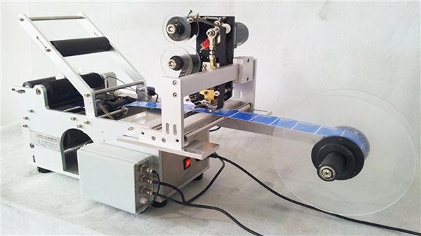 Malý kulatý láhev Llabeling Machine